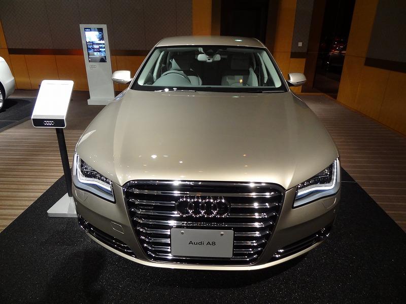 2012 Audi S8 プロモーション動画